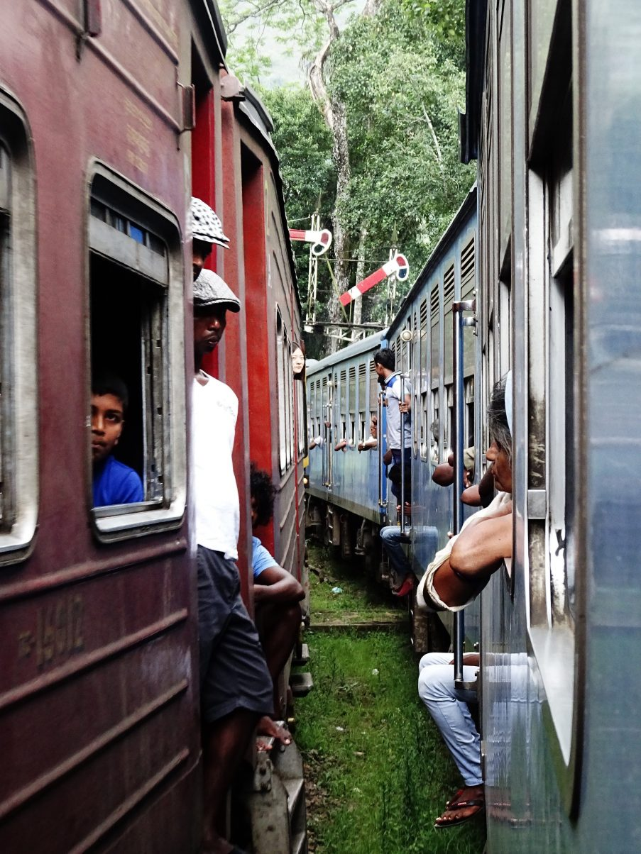 Travelling by train when backpacking Sri Lanka