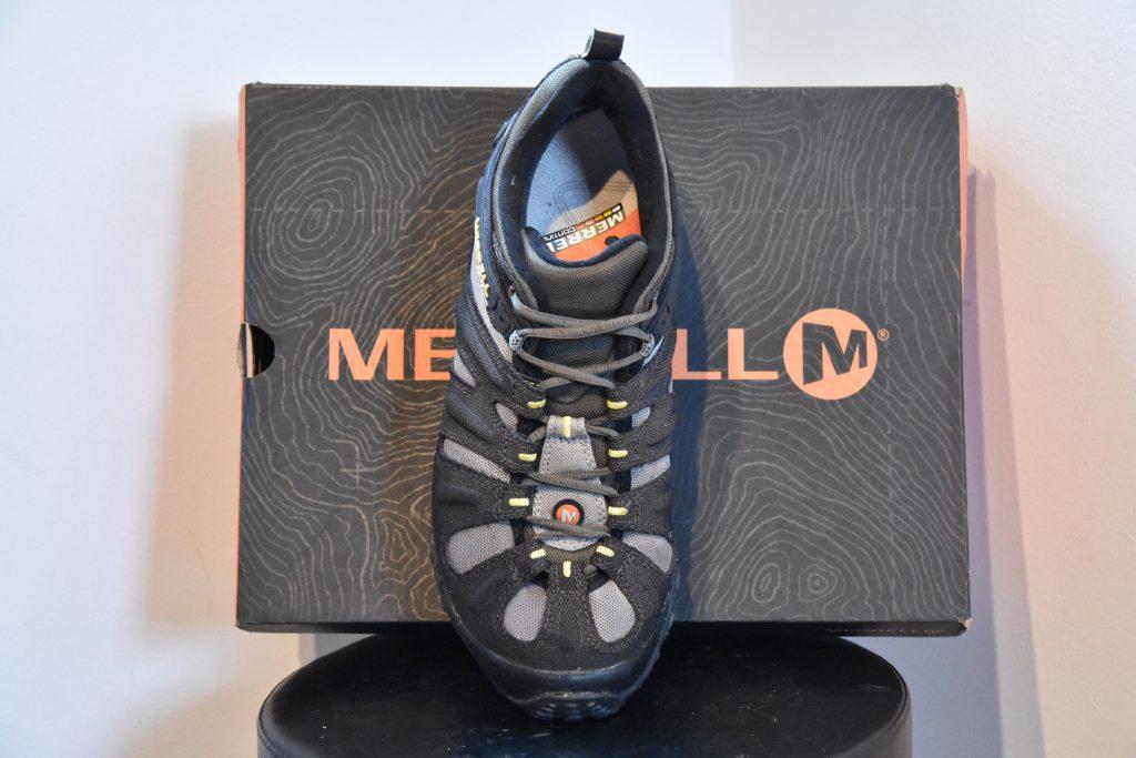 Casual men's vegan shoes