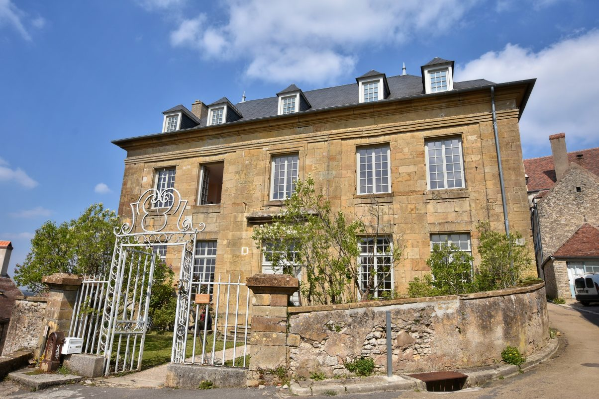 Vézelay house