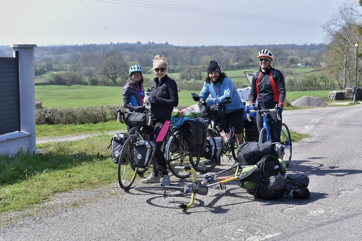 Cycle tourers in France