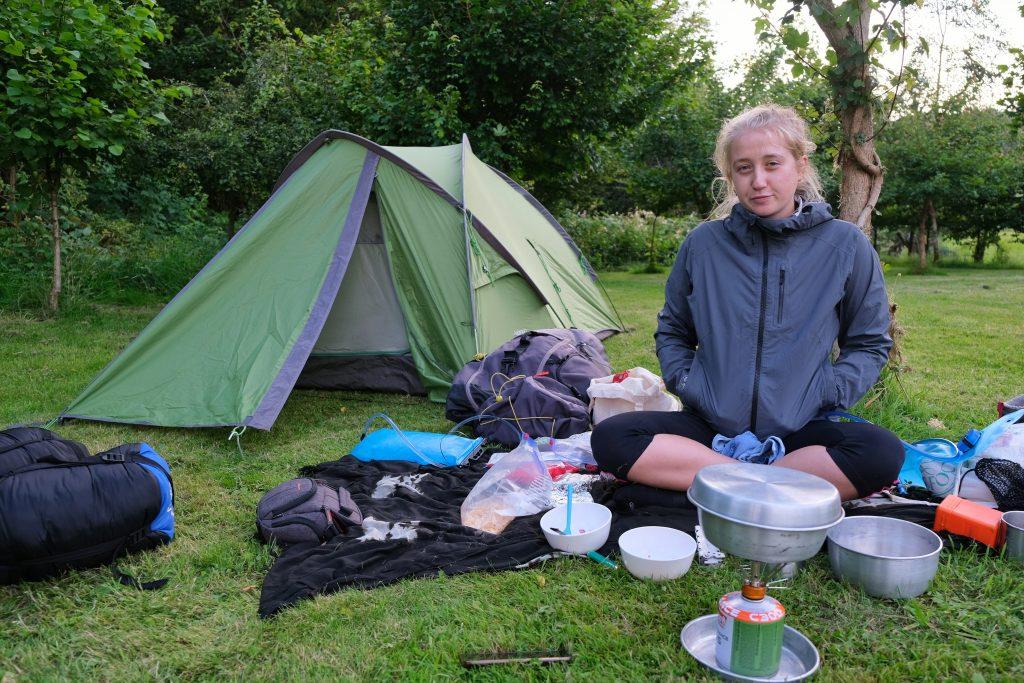 Girl practising zero waste camping