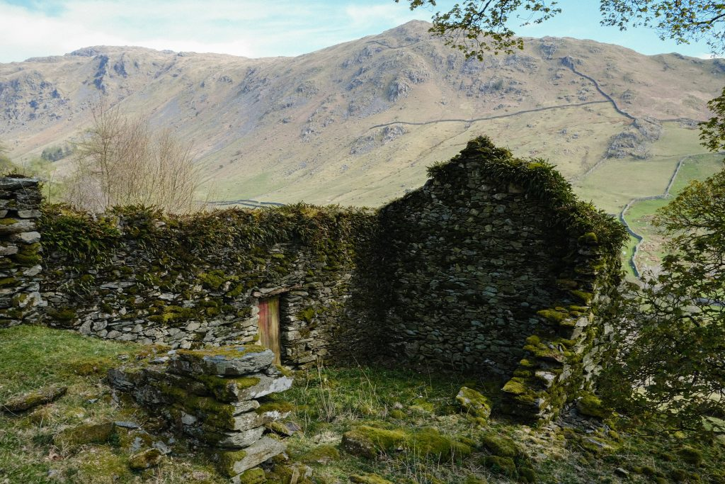 old farmhouse in the lake district
