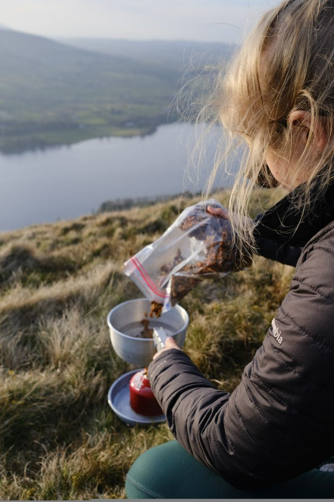 Dehydrated vegan trail food