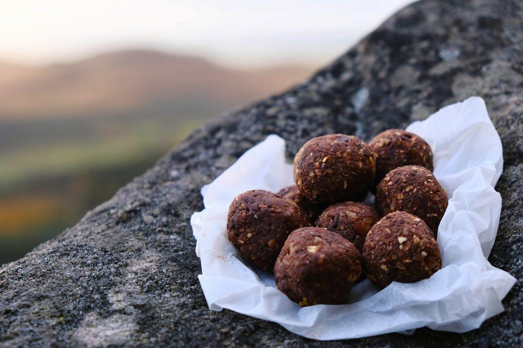 Vegan cycling snack energy balls